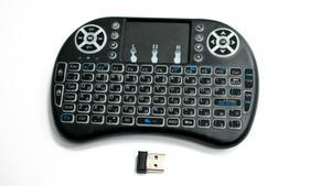 Беспроводная мини клавиатура с подсветкой и тачпадом MWK08/i8 LED цвет черный